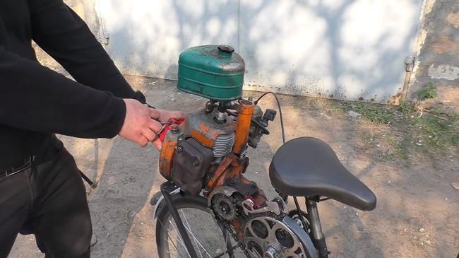 012 мопед из бензопилы Урал