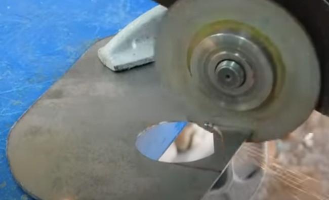 007 циркулярка из болгарки пошаговая инструкция
