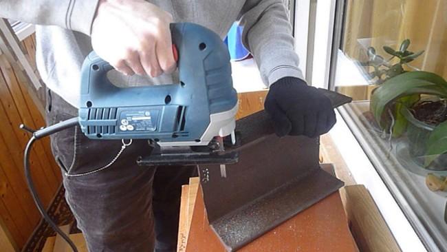 Электролобзик пилит металлический швеллер