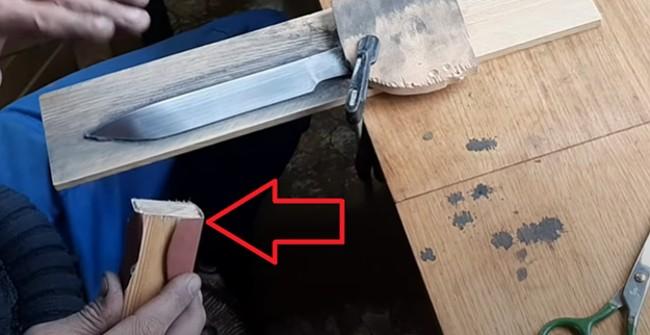 Нож и брусок с наждачкой