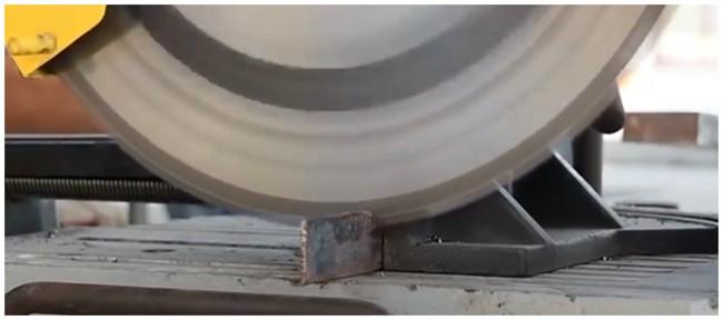 Обрезка металла циркуляркой